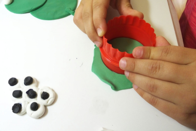 LIFE CYCLE OF A FROG – Shape, Colour Mixing - Step One