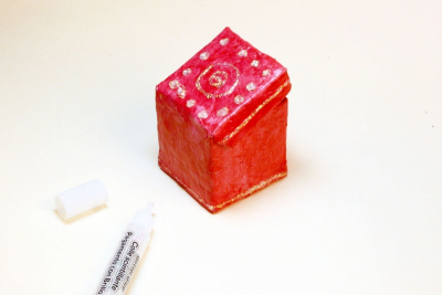 A BOX FULL OF LUCK – Geometry, Colour, Storytelling - Step Eight